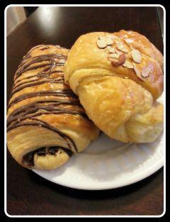 croissant pastries