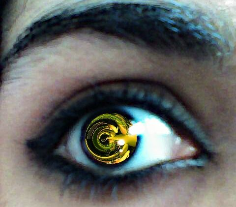 Ooo~ My eye :D Thank you to everyone who's voting! /hugs/